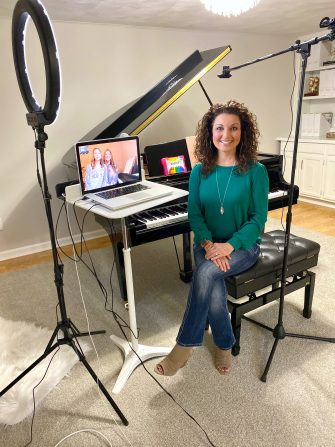 Melody Payne teaching online piano lessons